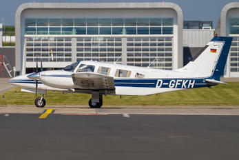 D-GFKH - Private Piper PA-34 Seneca