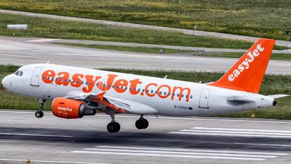 G-EZAS - easyJet Airbus A319
