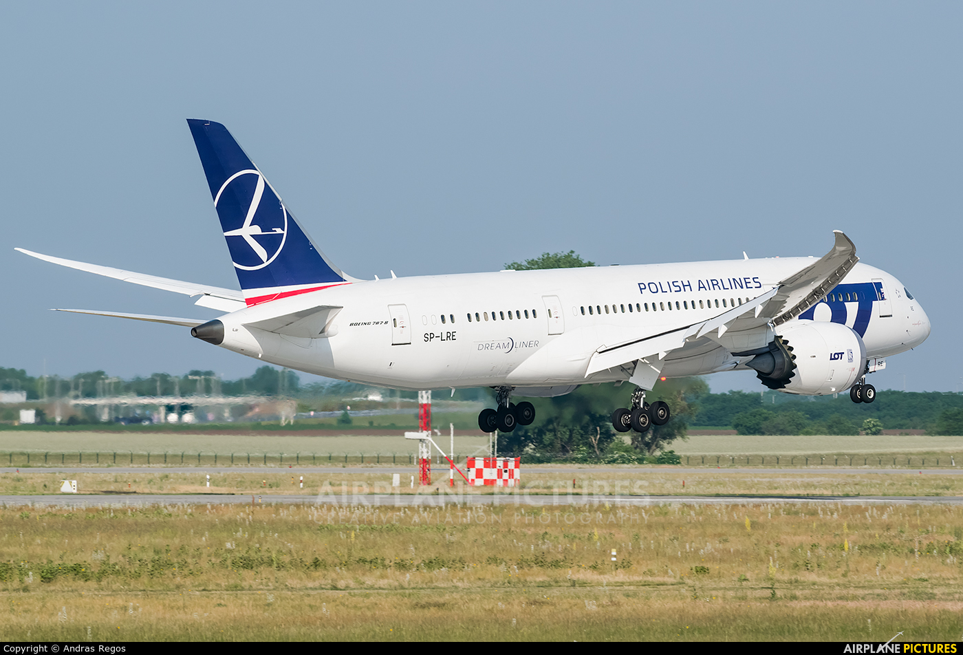 LOT - Polish Airlines SP-LRE aircraft at Budapest Ferenc Liszt International Airport