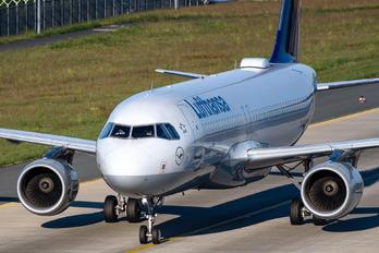 D-AIUK - Lufthansa Airbus A320