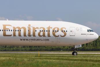 A6-EGQ - Emirates Airlines Boeing 777-300ER