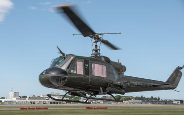 LN-OUS - Private Bell UH-1E