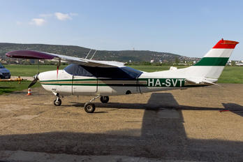 HA-SVT - Private Cessna 210 Centurion