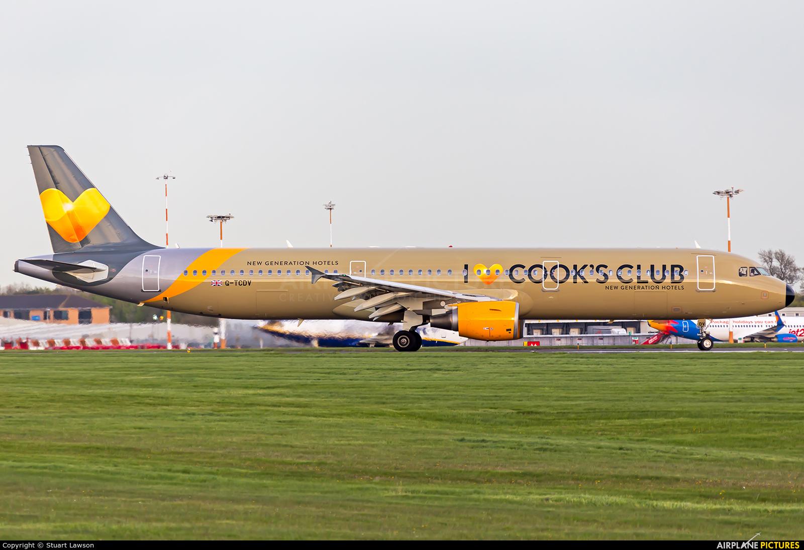 Thomas Cook G-TCDV aircraft at East Midlands
