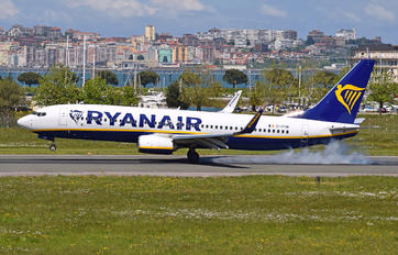EI-FON - Ryanair Boeing 737-8AS