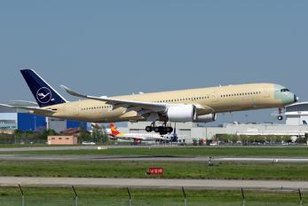 F-WZNN - Lufthansa Airbus A350-900