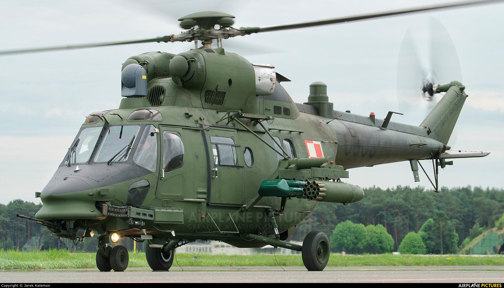 Poland - Army 0609 aircraft at Bydgoszcz - Szwederowo