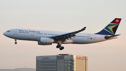 ZS-SXV - South African Airways Airbus A330-200