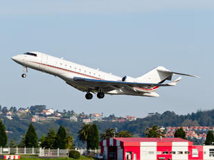 N100QS - Netjets (USA) Bombardier BD-700 Global 5000