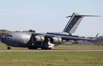 080001 - Strategic Airlift Capability NATO Boeing C-17A Globemaster III