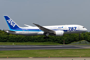 JA806A - ANA - All Nippon Airways Boeing 787-8 Dreamliner