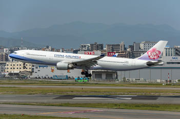 B-18310 - China Airlines Airbus A330-300