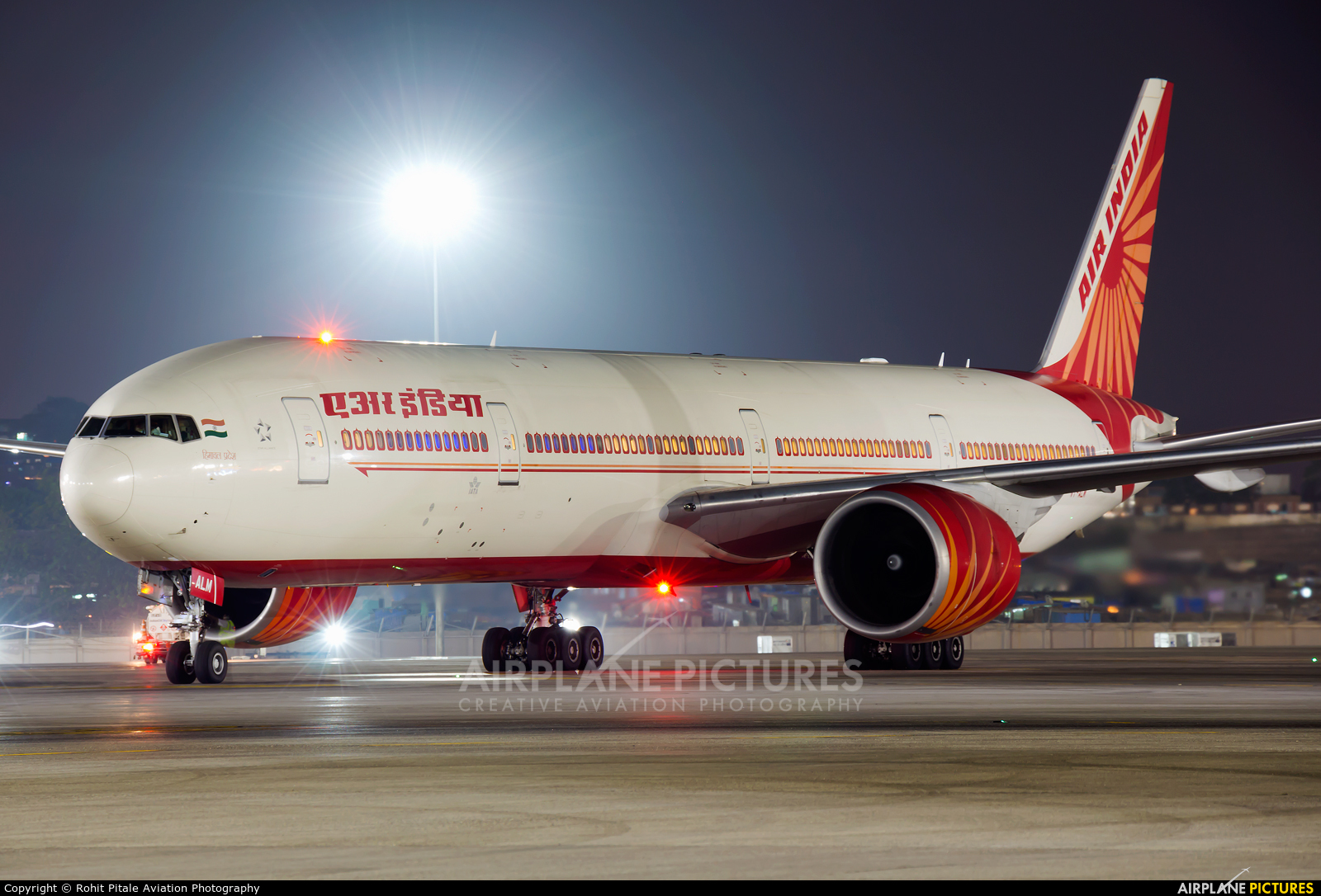 Air India VT-ALM aircraft at Mumbai - Chhatrapati Shivaji Intl
