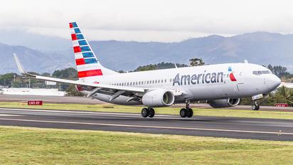 N823NN - American Airlines Boeing 737-800