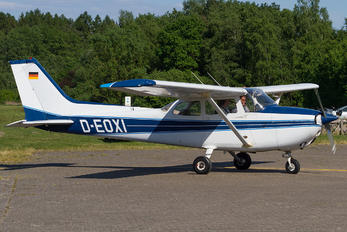 D-EOXI - Private Cessna 172 Skyhawk (all models except RG)