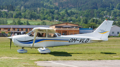 OM-VLD - Private Cessna 172 Skyhawk (all models except RG)