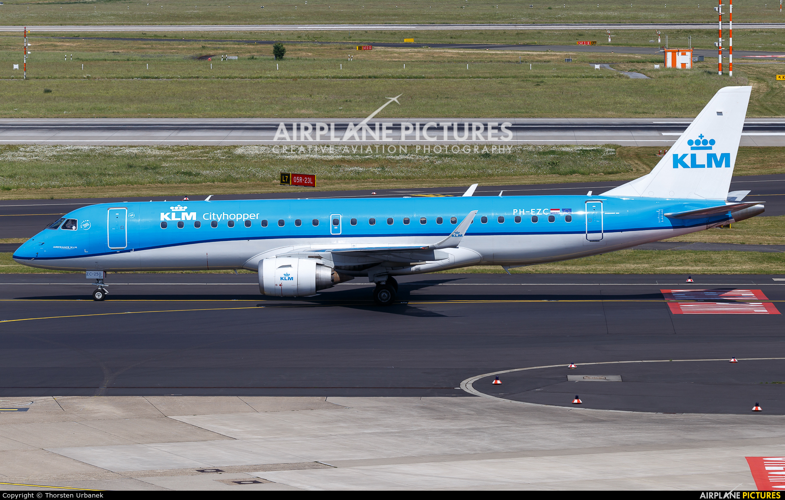 KLM Cityhopper PH-EZC aircraft at Düsseldorf