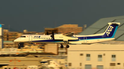 JA852A - ANA Wings de Havilland Canada DHC-8-400Q / Bombardier Q400