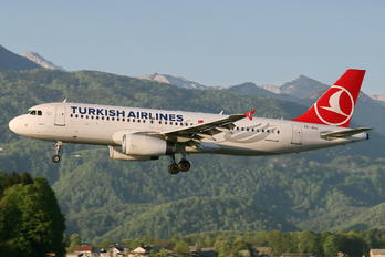 TC-JUJ - Turkish Airlines Airbus A320