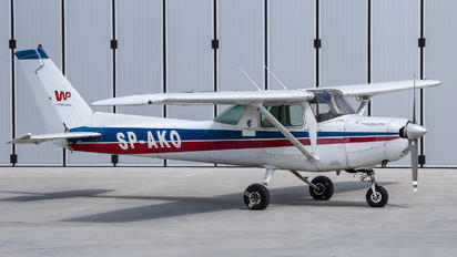 SP-AKO - Private Cessna 152