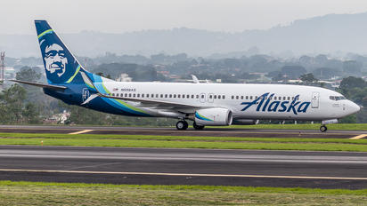 N558AS - Alaska Airlines Boeing 737-800
