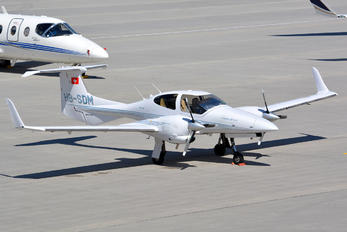 HB-SDM - Private Diamond DA 42 Twin Star