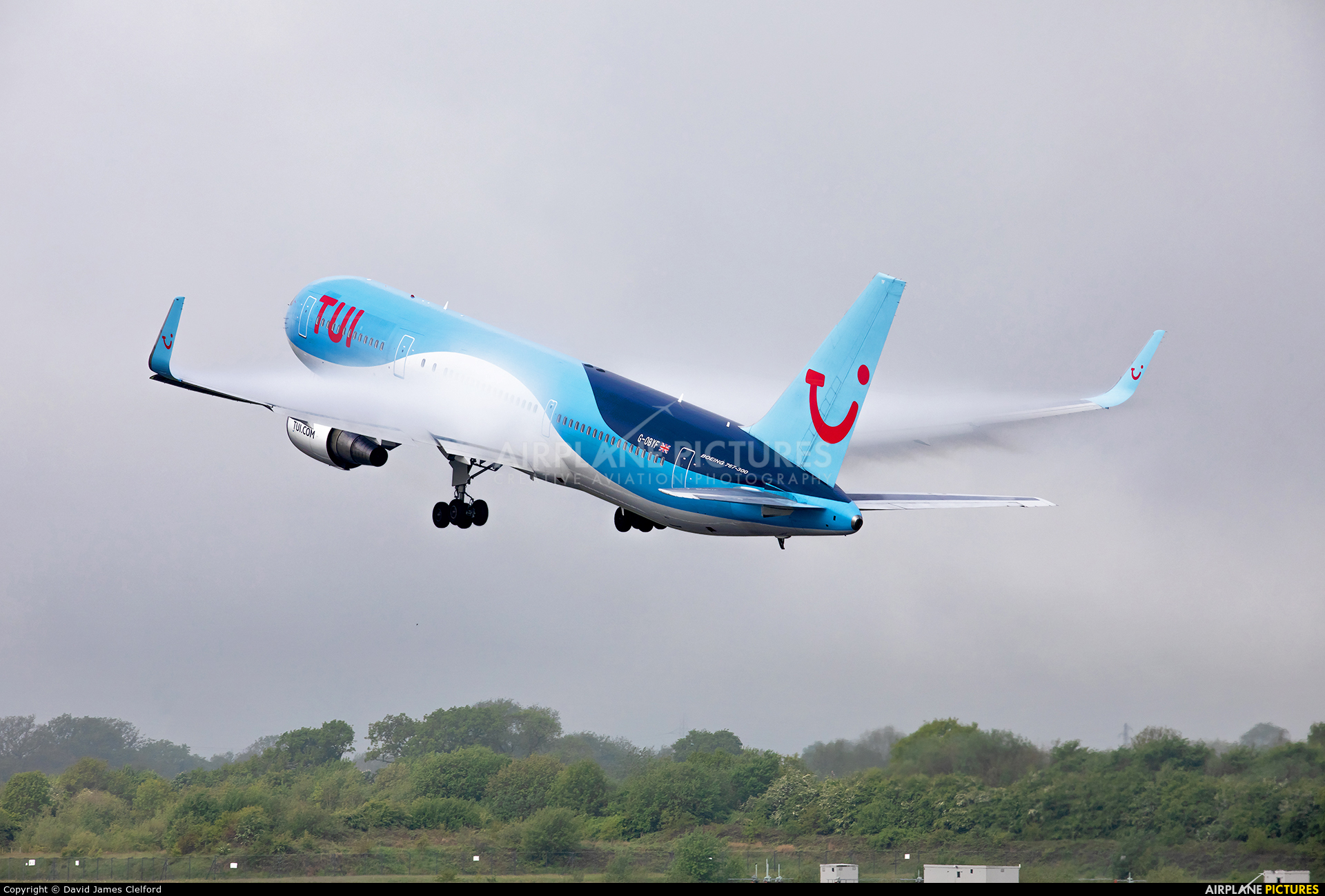 TUI Airways G-OBYF aircraft at Manchester