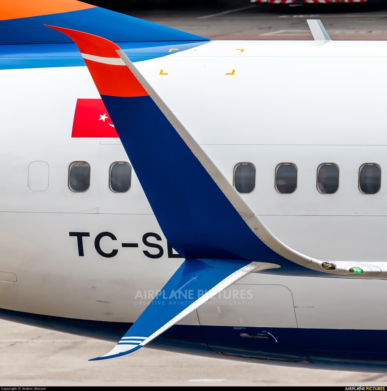 SunExpress TC-SEJ aircraft at Zurich