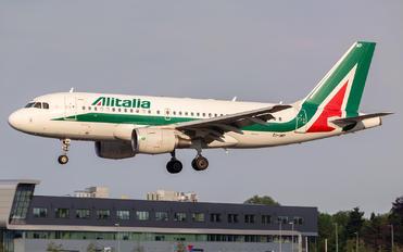 EI-IMP - Alitalia Airbus A319
