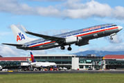 N902AN - American Airlines Boeing 737-800 aircraft