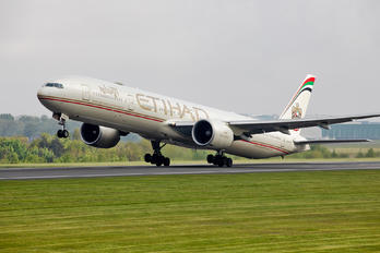 A6-ETH - Etihad Airways Boeing 777-300ER