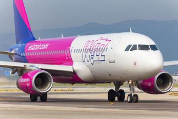 G-WUKB - Wizz Air Airbus A320