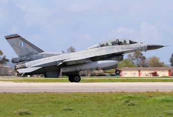 082 - Greece - Hellenic Air Force General Dynamics F-16D Fighting Falcon