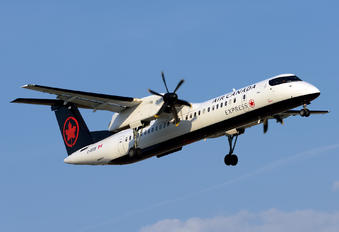 C-GKUK - Air Canada Express de Havilland Canada DHC-8-402Q Dash 8