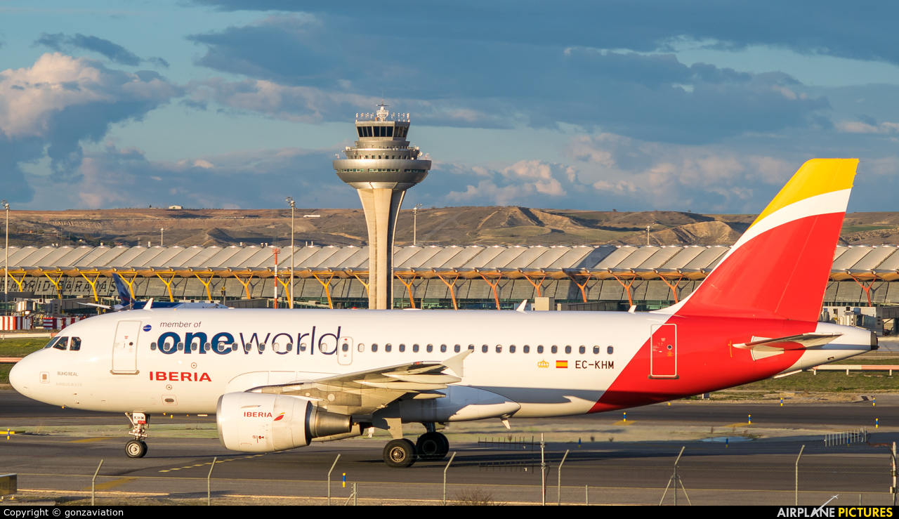 Iberia EC-KHM aircraft at Madrid - Barajas