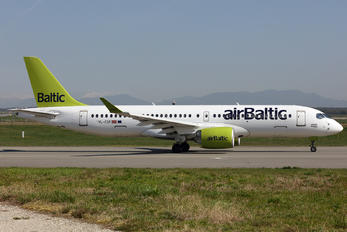 YL-CSF - Air Baltic Bombardier CS300