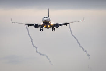 EI-ENG - Ryanair Boeing 737-800