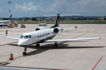 N113WJ - Private Gulfstream Aerospace G-IV,  G-IV-SP, G-IV-X, G300, G350, G400, G450