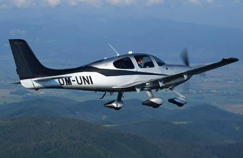 OM-UNI - Private Cirrus SR22