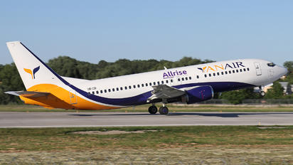 UR-COI - YanAir Boeing 737-400