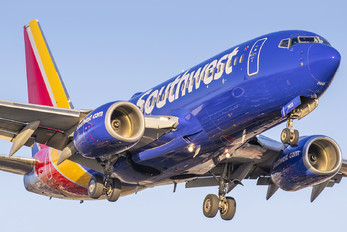 N7823A - Southwest Airlines Boeing 737-700