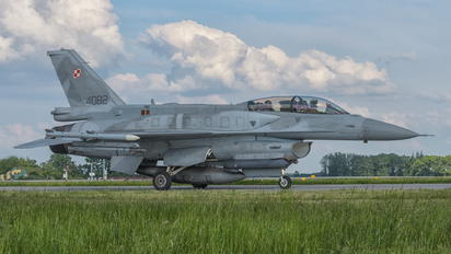 4082 - Poland - Air Force Lockheed Martin F-16D Jastrząb