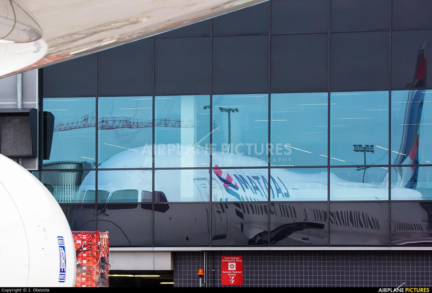 LATAM CC-BGL aircraft at Frankfurt