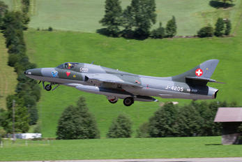HB-RVP - Fliegermuseum Altenrhein Hawker Hunter T.68