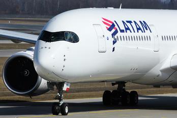A7-AMB - LATAM Airbus A350-900