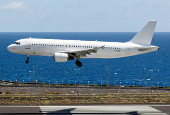 LY-VEV - Avion Express Airbus A320
