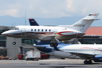 N800EM - Private Raytheon Hawker 800XP