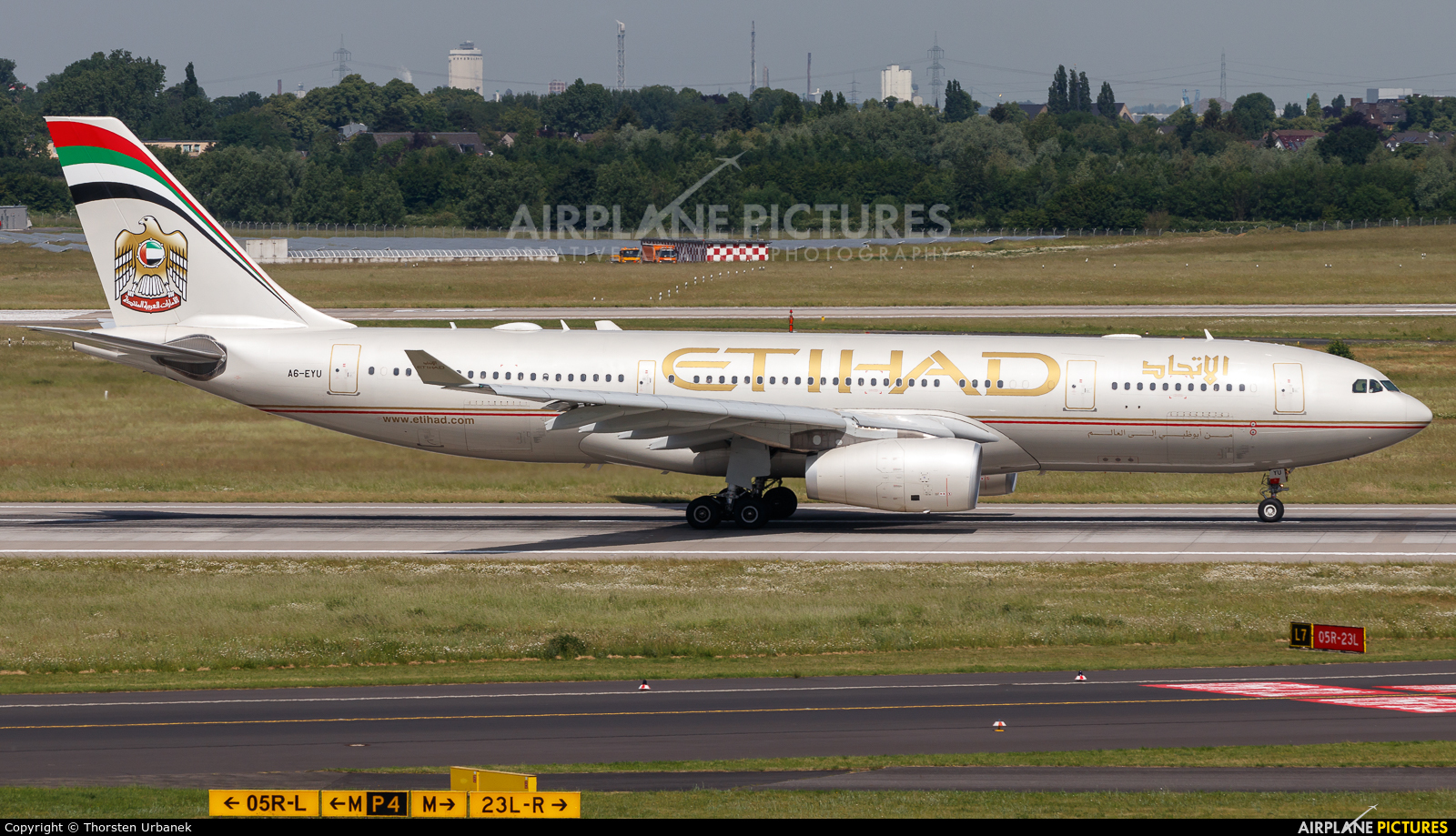 Etihad Airways A6-EYU aircraft at Düsseldorf