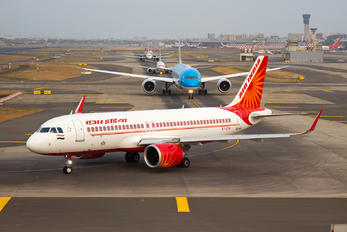 VT-EXH - Air India Airbus A320 NEO