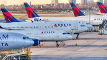 N834MH - Delta Air Lines Boeing 767-400ER aircraft